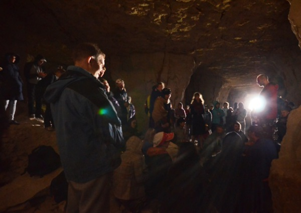 Mantra-meditation (kirtan with Balakhilya das) inside a cave