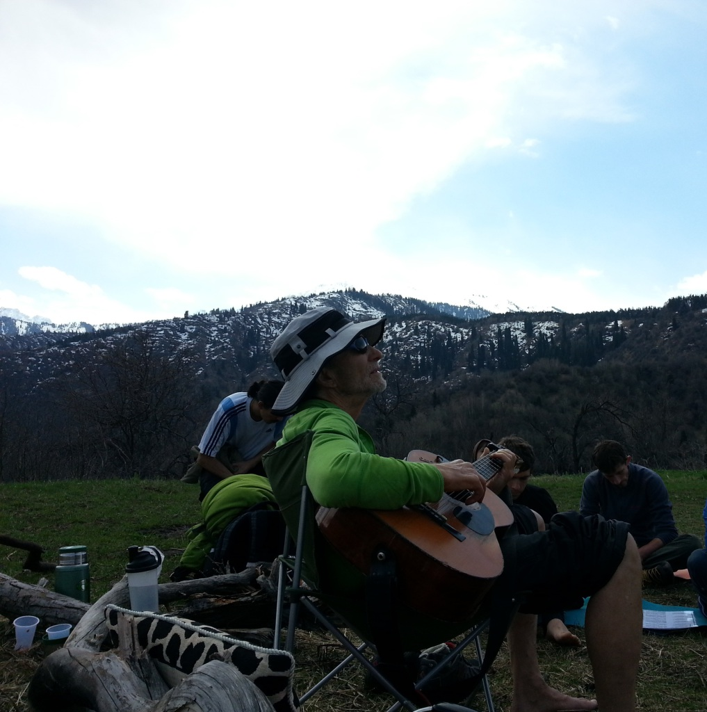 Balakhilya das-kirtan in the mountains
